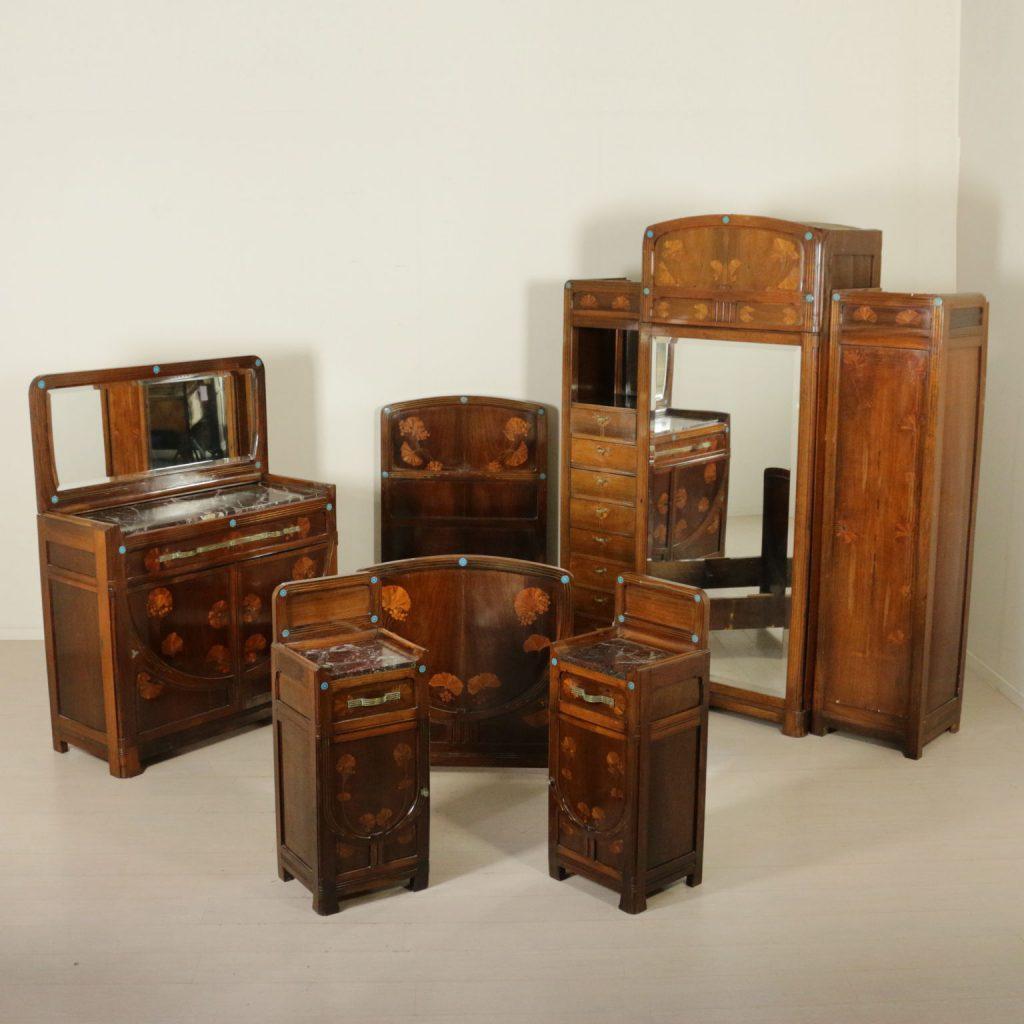 Elegante camera liberty attribuibile ad Eugenio Quarti.