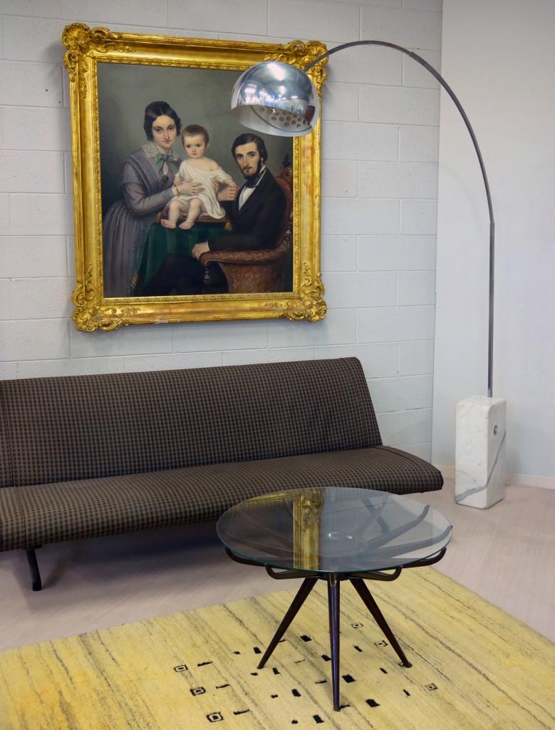 Lampada Arco, Tavolino Ragno e Divano Borsani nel nostro negozio di Cambiago