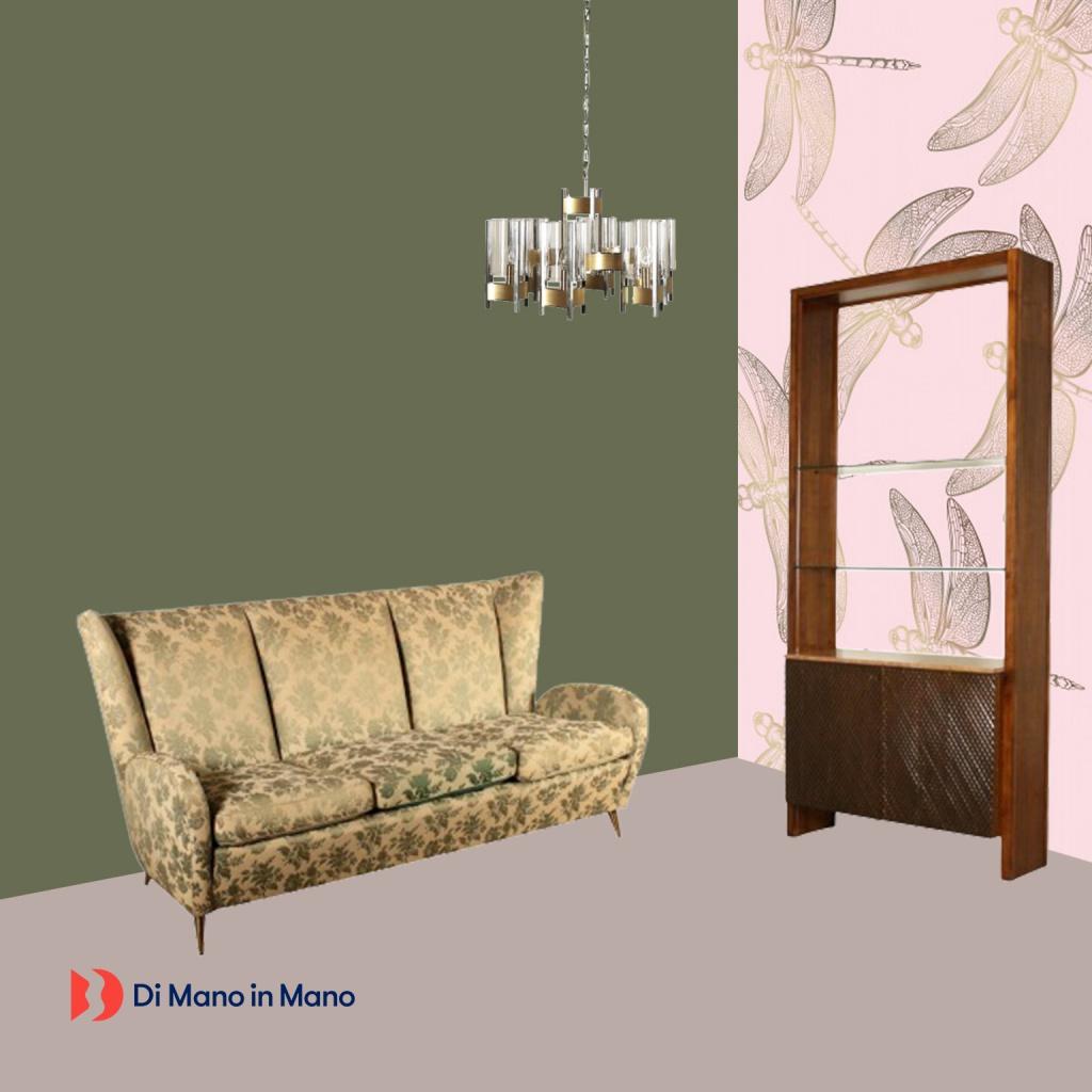 Divano nello stile di Paolo Buffa, libreria anni 60 e lampadario Sciolari: questo il corner mix n°7
