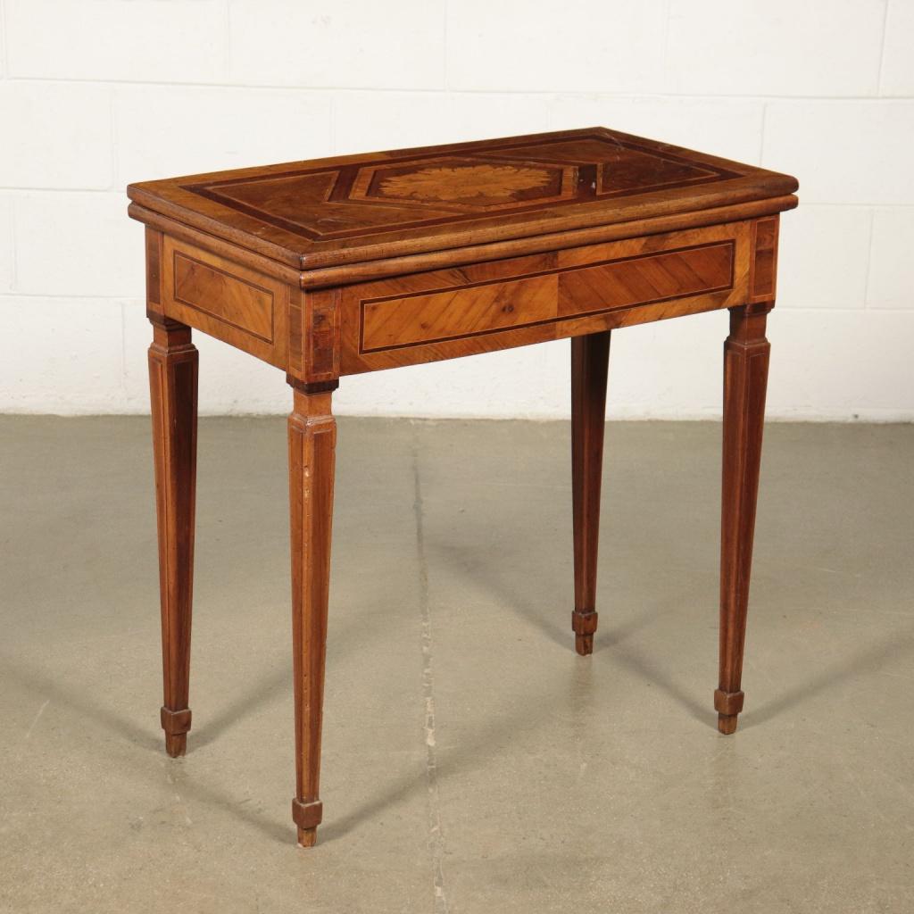 Tavolino da gioco neoclassico