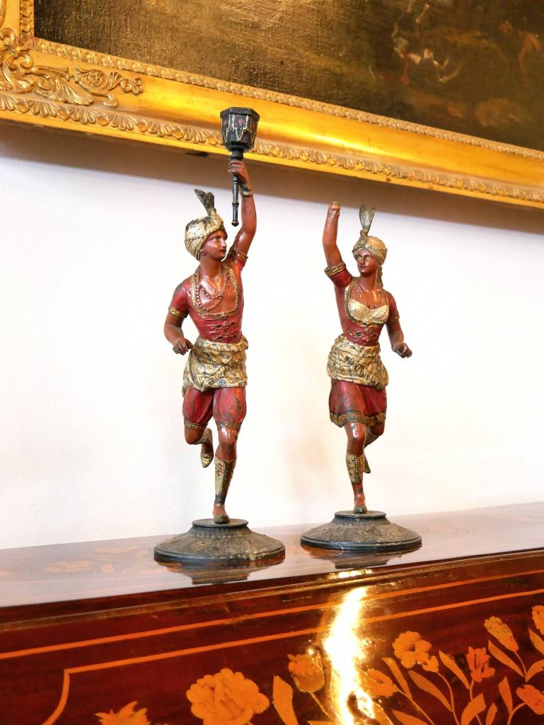 Coppia di sculture candelabro in bronzo di Vienna